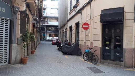 En la calle Minyones se eliminará la reserva de motos.