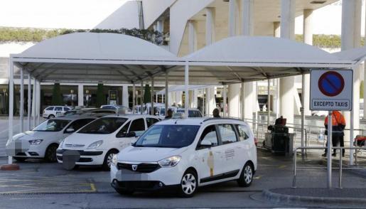 El colectivo del taxi es uno de los principales afectados por la caída en picado del turismo en Mallorca en 2020.