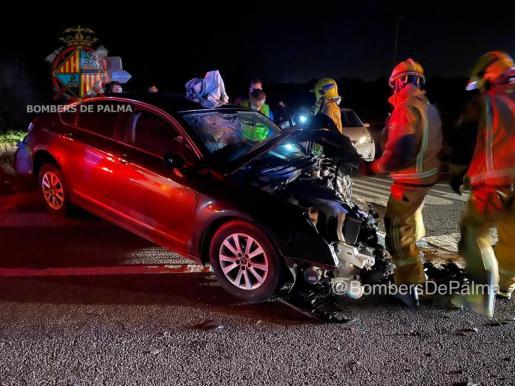En el accidente se han visto implicados tres vehículos.