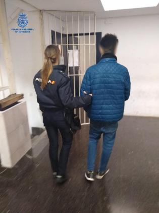 El detenido fue arrestado por agentes del Cuerpo Nacional de Policía.