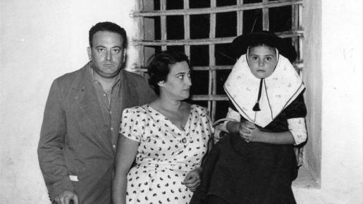 Familia mallorquina, 1964. Cortesía de Casa Planas.
