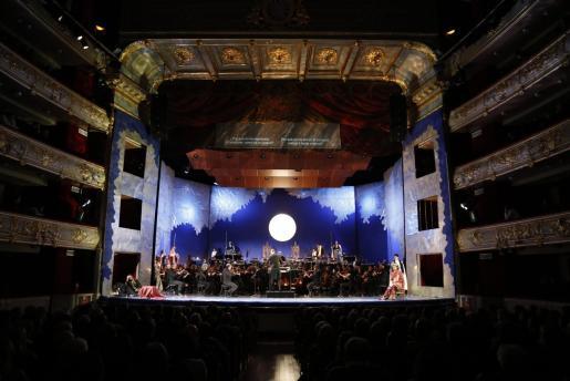 Imagen de archivo de la ópera Salomé de Richard Strauss en un Teatre Principal de Palma abarrotado.