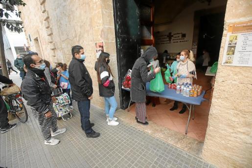 Cada vez más familias de Palma se han visto abocadas a pedir ayuda.