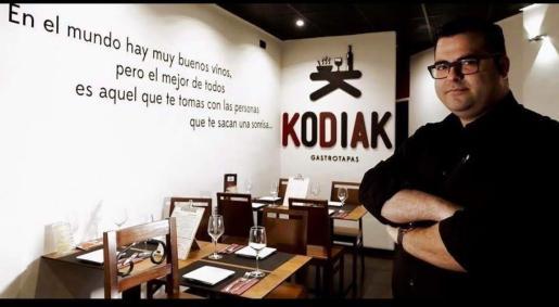 Alberto Saéz en su restaurante.