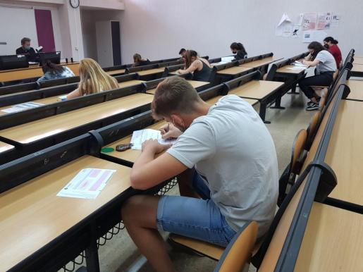 Alumnos, en la prueba de Selectividad.