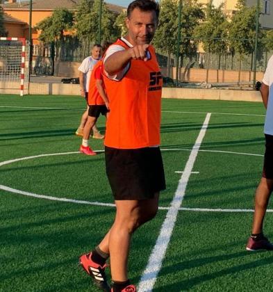 Paco Sanz, durante un partido de veteranos.