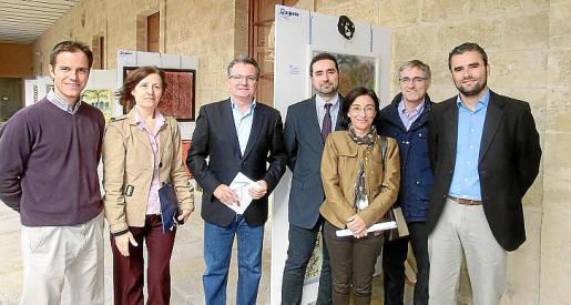 Jesús Hernando, Catalina Sureda, el vicepresidente de Cultura del Consell, Joan Rotger; José Antonio Rodado, Margalida Ferrando, Bartolomé Márquez y Alvaro Celdrán.