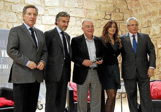Iñaki Gabilondo, Fernando Rodés, Tomeu Catalá, María de la Pau Janer y Baltasar Garzón.