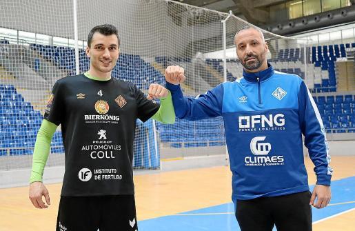 Lolo y Antonio Vadillo chocan sus brazos en la pista del Palau d'Esports de Son Moix.