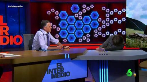 Imagen del ataque de cataplexia de Jordi Évole en directo.