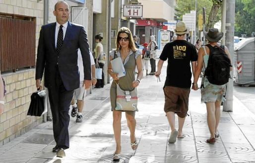 Stella Matutes ya tuvo que acudir al Juzgado para declarar como imputada por este mismo caso junto al exalcade de Sant Antoni José Sala aunque un auto del Juzgado de Instrucción número 3 de Eivissa dictó el sobreseimiento del caso.