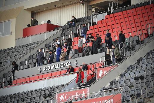 Imagen del palco de Son Moix en los prolegómenos del partido ante el Almería.