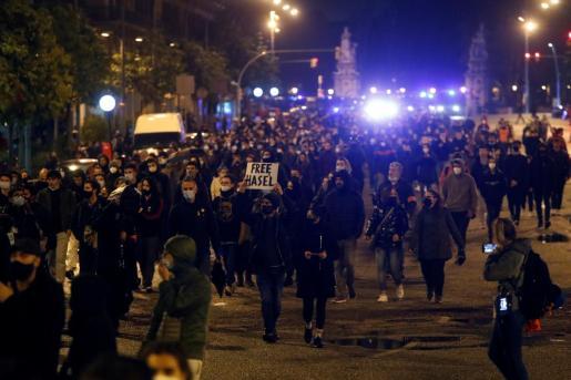 Decenas de personas asisten a una nueva manifestación por la libertad de Pablo Hasél.