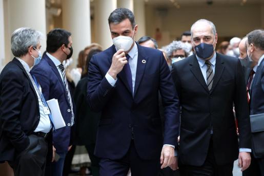 El presidente del Gobierno, Pedro Sánchez, a su llegada a la sesión de control al Gobierno, este martes en el Senado.