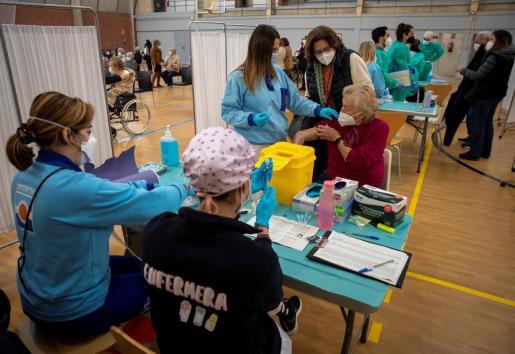 La incidencia acumulada en España se sitúa en 235,84 casos por cada 100.000 habitantes.