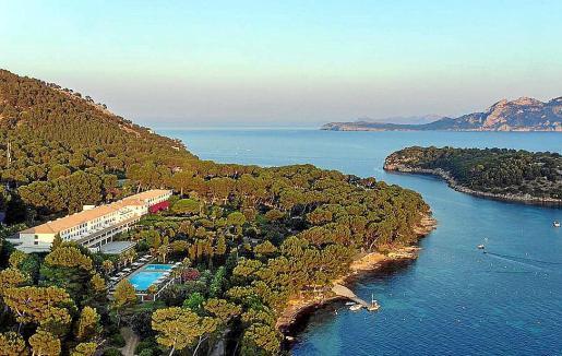 Emin Capital planea reformar y ampliar el hotel Formentor para reabrirlo en 2023.