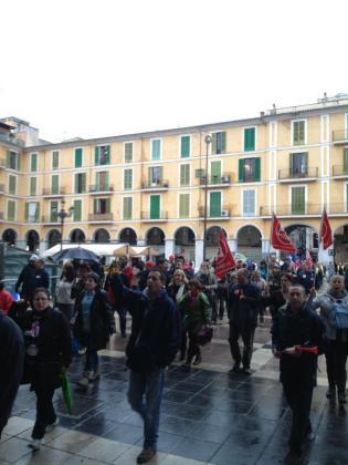 Los piquetes sindicalistas han recorrido las principales calles de Palma.