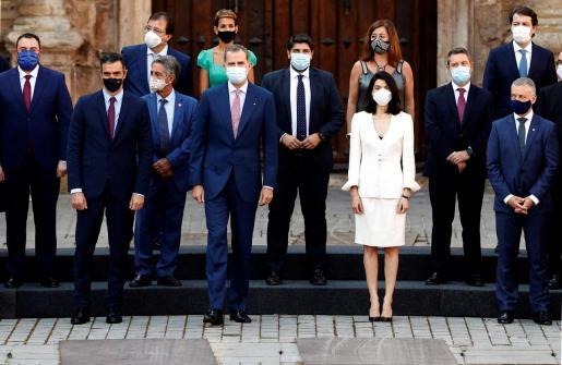 Imagen de archivo del rey Felipe VI, el presidente del Gobierno, Pedro Sánchez, la presidenta del Senado, Pilar Llop, y los presidentes autonómicos, entre los que se encuentra Francina Armengol, durante la Conferencia de Presidentes.