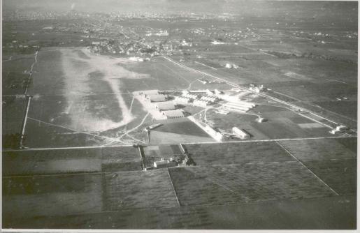 El #Aeropuerto de #SonBonet 🛩️ cumple 100 años.  Tal y día como hoy, el 25 de febrero de 1921, tuvo lugar el primer… https://t.co/99Go3jPd1j