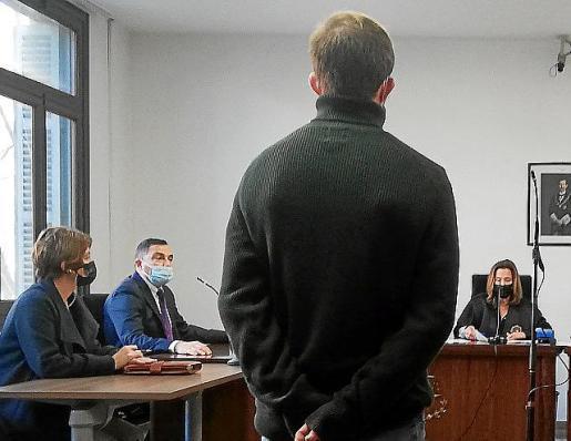 El procesado en una sala de Vía Alemania.