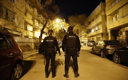 La Policía Nacional procedió al arresto de los implicados.