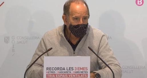 Imagen del director general en rueda de prensa.