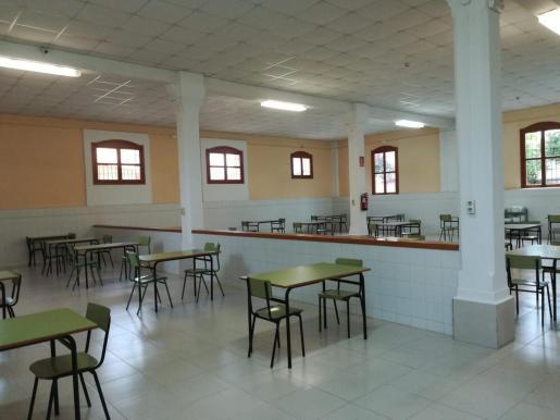 El objetivo de este programa es compensar a los alumnos de centros públicos y concertados.