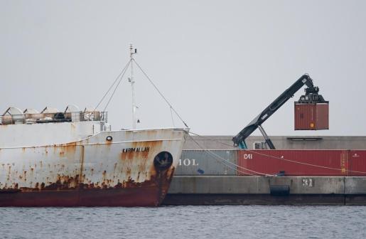 El buque 'Karim Allah', con las vacas en su interior, está atracado en Cartagena.