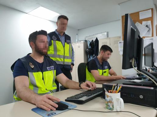 La Policía Nacional está recibiendo numerosos denuncias por ataques informáticos a empresas de Palma con la intención de estafarlos.