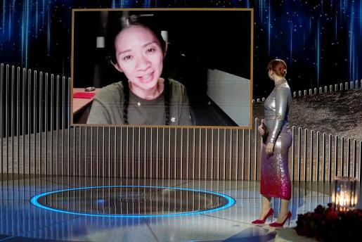 La aclamada cinta de Chloé Zhao, una poética mirada a los devastadores efectos del capitalismo del siglo XXI en la sociedad estadounidense, compartió protagonismo con «Borat, película film secuela».