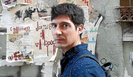 El escritor Paco Cerdà, autor de 'El peón', libro sobre Arturito Pomar, prodigio mallorquín del ajedrez.