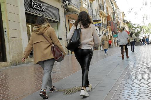 Imagen de una calle céntrica de Palma sin turistas.