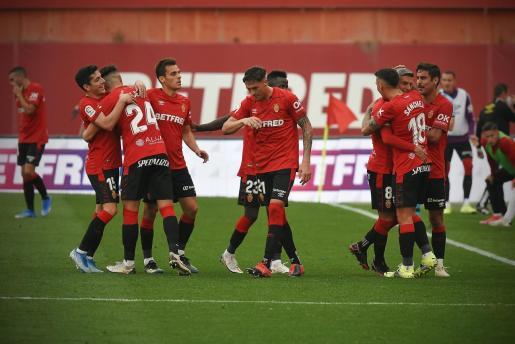 El Real Mallorca, durante su reciente partido ante el Almería en el Visit Mallorca Estadi.