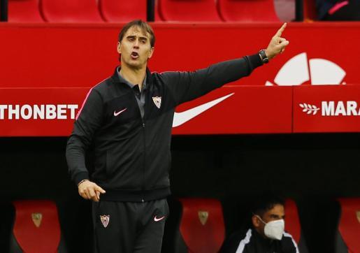 Julen Lopetegui durante un partido del Sevilla.