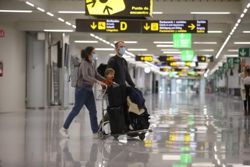 Los ciudadanos de cinco comunidades autónomas podrán viajar a Baleares sin necesidad de presentar una prueba PCR negativa.