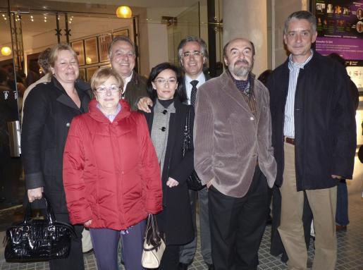 Camila Huisgen, Vicente Sastre, Antonia Company, Margalida Ferrando, Rogelio Araújo, Ramon Bassa y Antoni Llull.