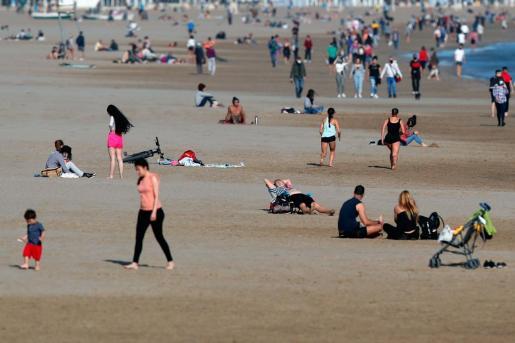Los alcaldes de Adeje, Benidorm, Calviá, Lloret de Mar, Marbella, Torremolinos y Salou han abogado en una jornada sobre el turismo de sol y playa.