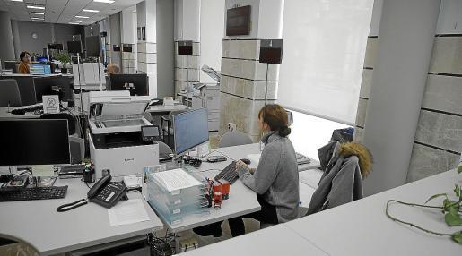 La UIB y Esment colaboran en el desarrollo de autómatas para la prestación de servicios a personas con necesidades especiales