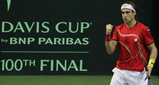 El español David Ferrer reacciona durante el partido.