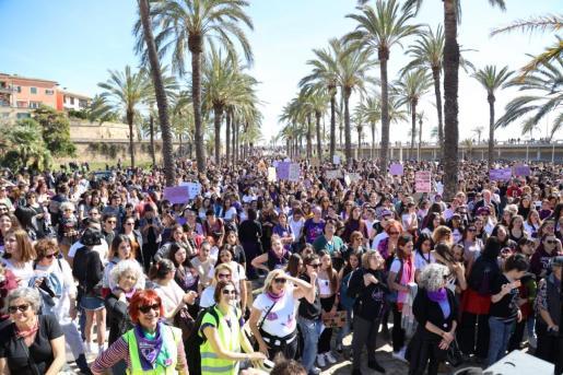 La manifestación del año pasado, que concluyó en el Parc de la Mar, volvió a ser multitudinaria.