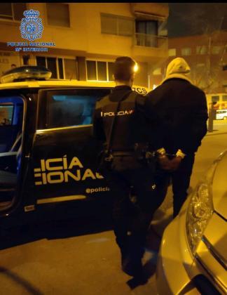 Momento de la detención del Joven argelino acusado de un presunto delito de robo con fuerza.