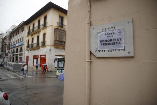 Calles de Palma han despertado con nombres de mujeres en la placas.
