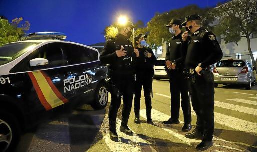 La Policía Nacional arrestó a los cinco sospechosos poco después del violento asalto.