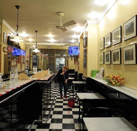 El interior de bares y restaurantes está cerrado desde hace meses.