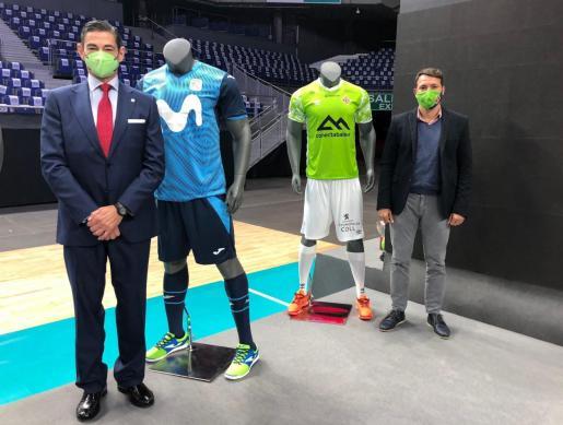 José Manuel Saorín, presidente de Movistar Inter, y el director general del Palma Futsal, José Tirado, tras conocerse su emparejamiento en la Copa de España tras la celebración del Sorteo en el WiZink Center de Madrid.