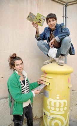 Júlia y Lluïsa Febrer, posando para este artículo.