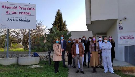 La consellera de Salut, Patricia Gómez, ha visitado la nueva zona básica de salud de So Na Monda.