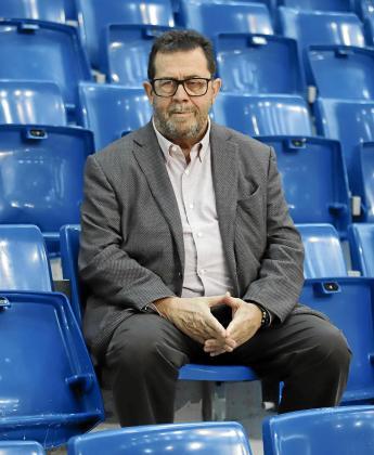 Imagen de archivo del presidente y fundador del Palma Futsal, Miquel Jaume, en las gradas de Son Moix.