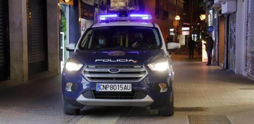 Imagen de archivo de una patrulla de la Policía Nacional en Palma.