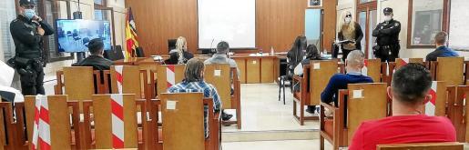 La Audiencia celebró en tres salas de forma simultánea el juicio, el primer macroproceso de la pandemia.